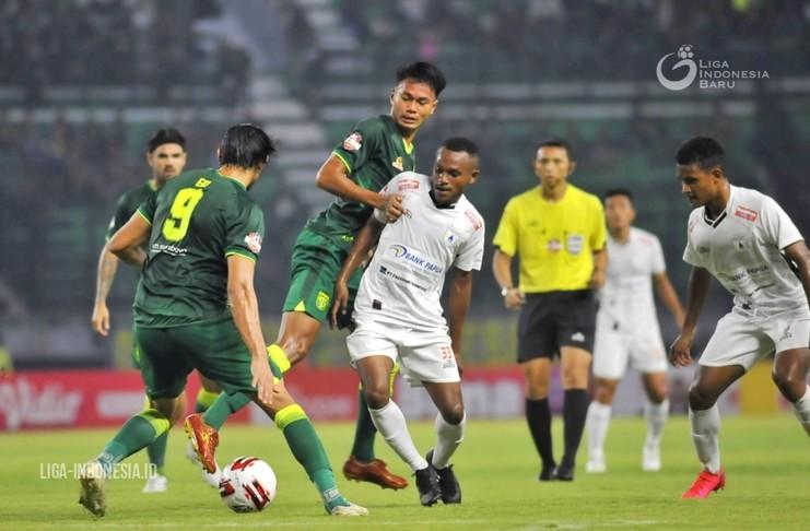 Kamu Pasti Gak Tahu! 5 Fakta Gol-gol yang Lahir dalam Tiga Pekan Liga 1 2020 - Persebaya vs Persipura - liga indonesia