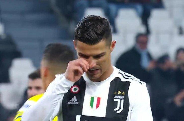 Kiper Ini Tagih Janji Cristiano Ronaldo Usai Menahan Penaltinya
