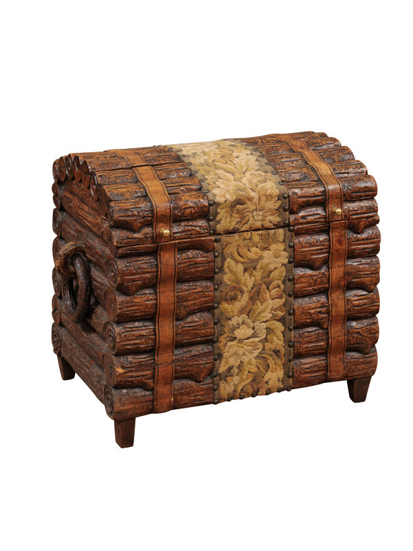 Blackforest Trunk with Handles