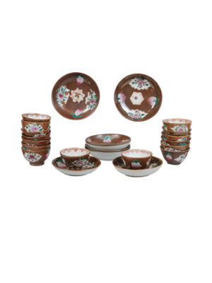 19th Century Chinese Export Tea Bowl Saucer Set