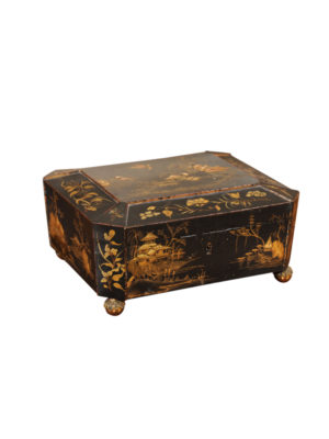 19th Century English Black Lacquered Chinoiserie Box